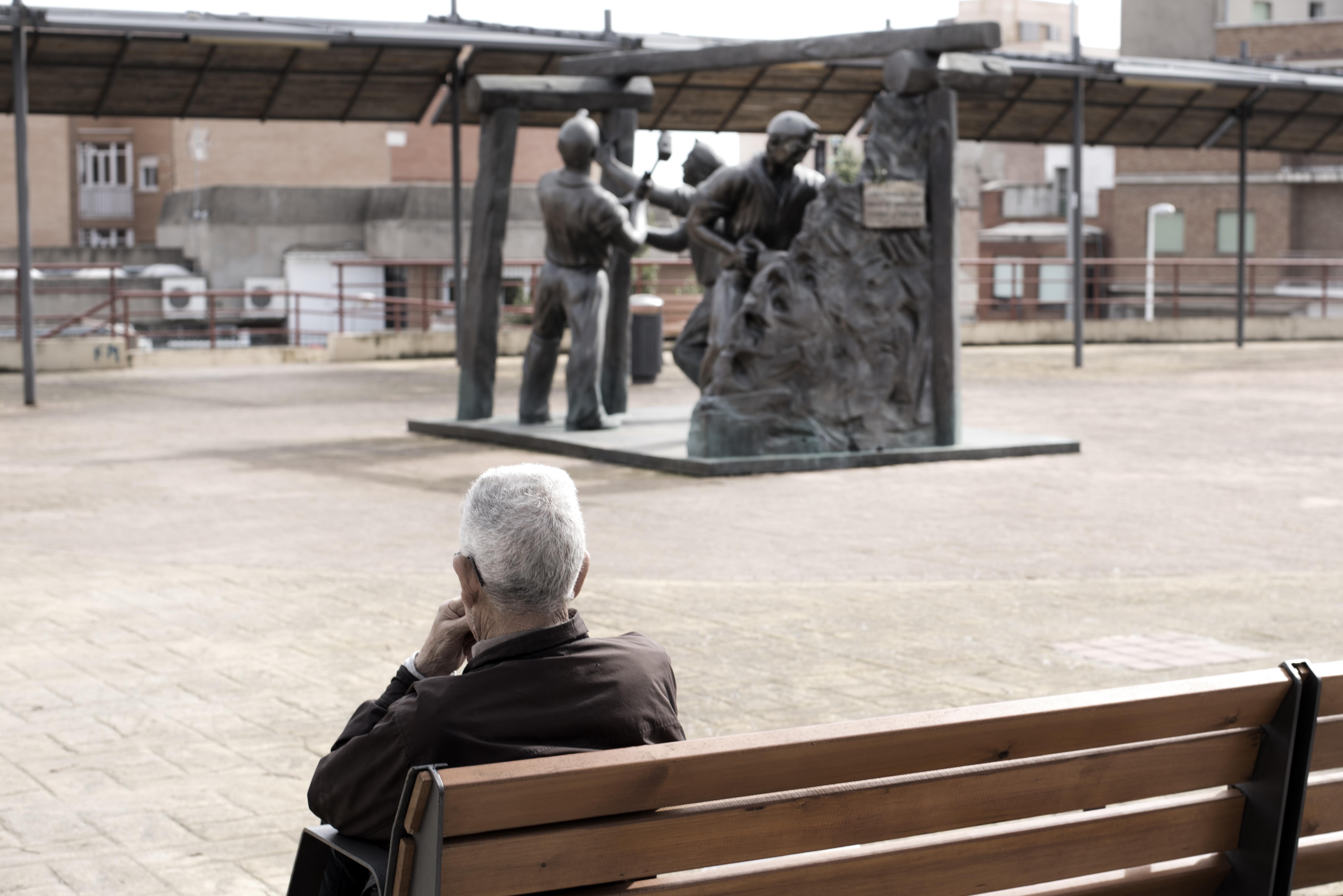 Monumento a los Mineros en el Puente de Cemento - Irene