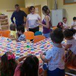 Mayte Fernández visita la escuela de Verano