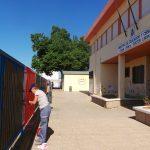 La concejala Gloria Mohedano visita a los trabajadores de Integra en el colegio Doctor Limón