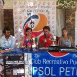 La alcaldesa con los organizadores en la presentación del Torneo