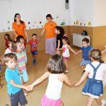 Los juegos participativos son parte esencial de esta Escuela