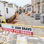 Obras en la recta final de la calle Juan Bravo