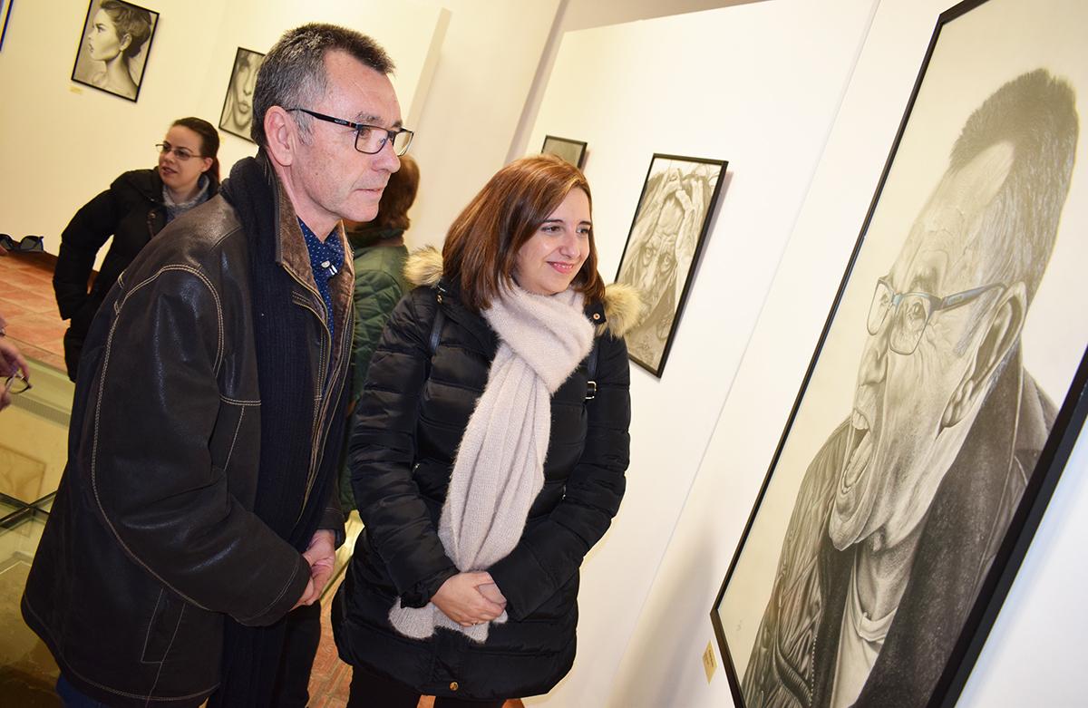 Andres Banos.Las Miradas Dibujadas De Andres Perez En Una Exposicion En