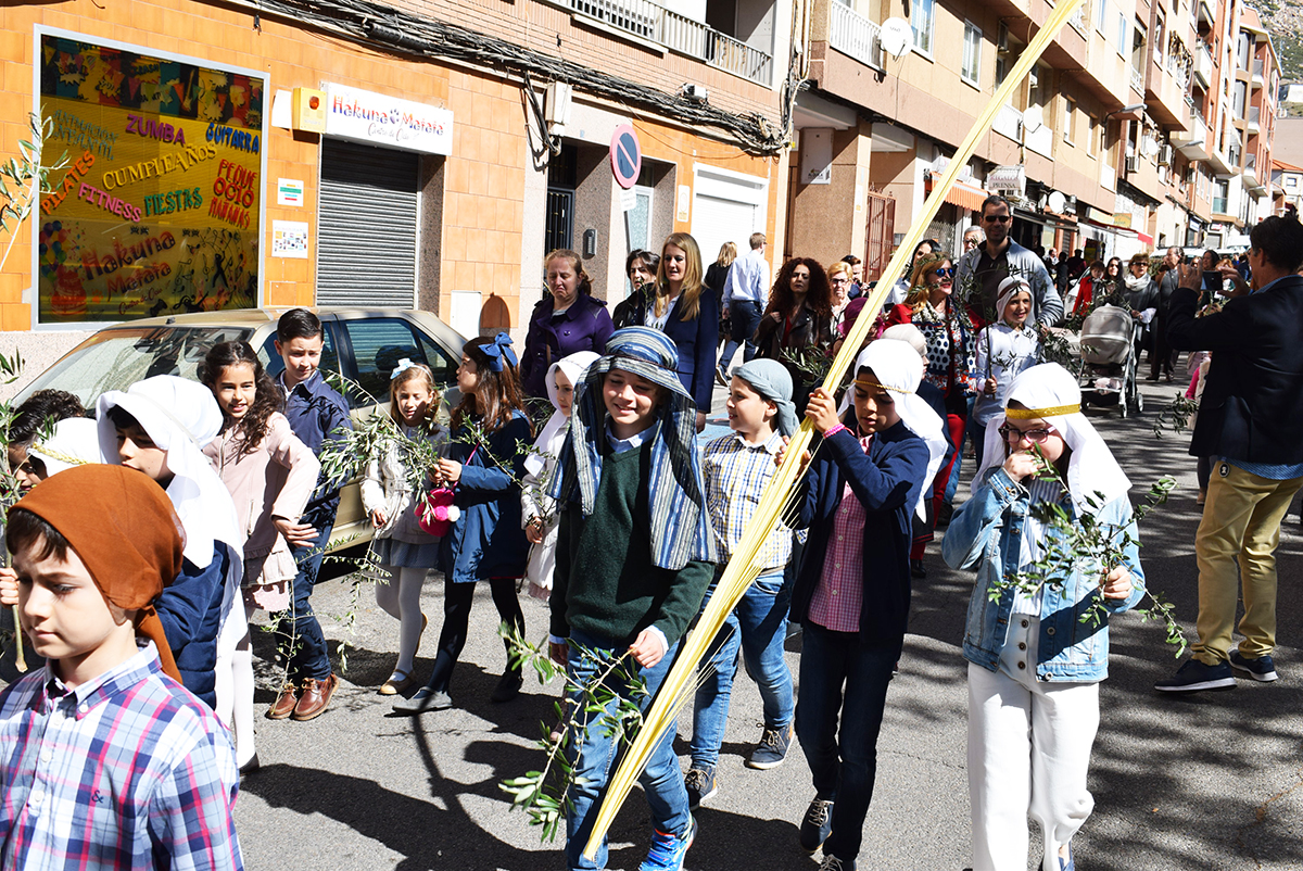 Hebreos, palmas y olivos en la procesión de María Auxiliadora