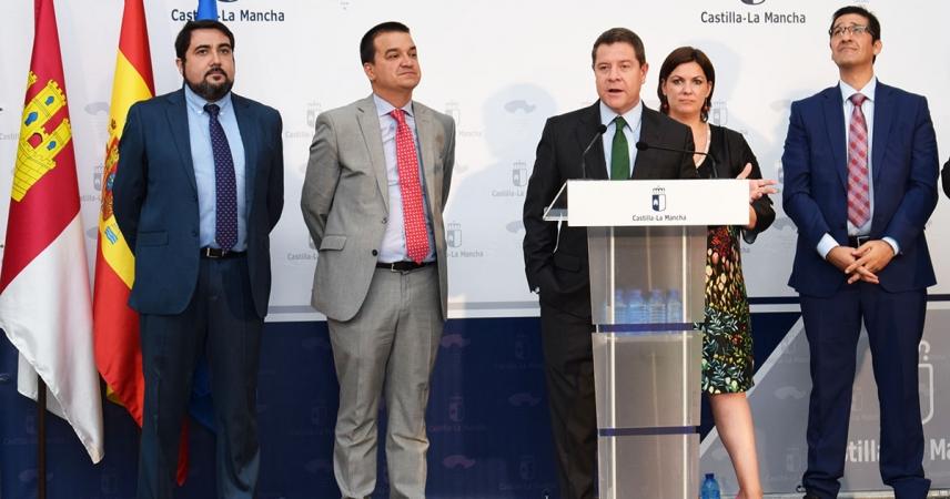 García Page reafirma su compromiso con la opción sur y anuncia un proyecto de biomasa con 150 puestos de trabajo