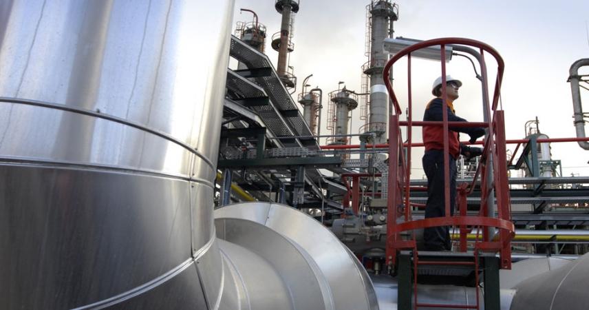 Repsol convoca cursos formativos de operadores de plantas químicas y analistas de laboratorio